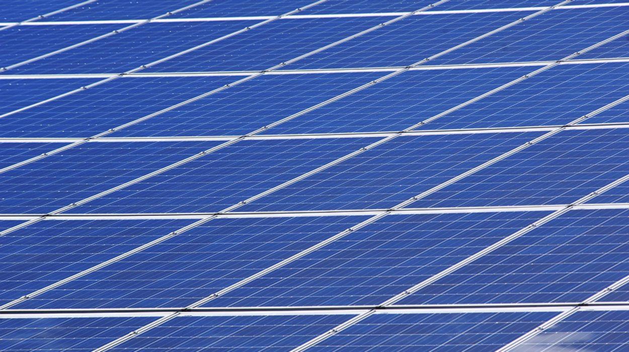 Afbeelding van Staatsoliebedrijf Saudi-Arabië doet mee aan groot zonneproject