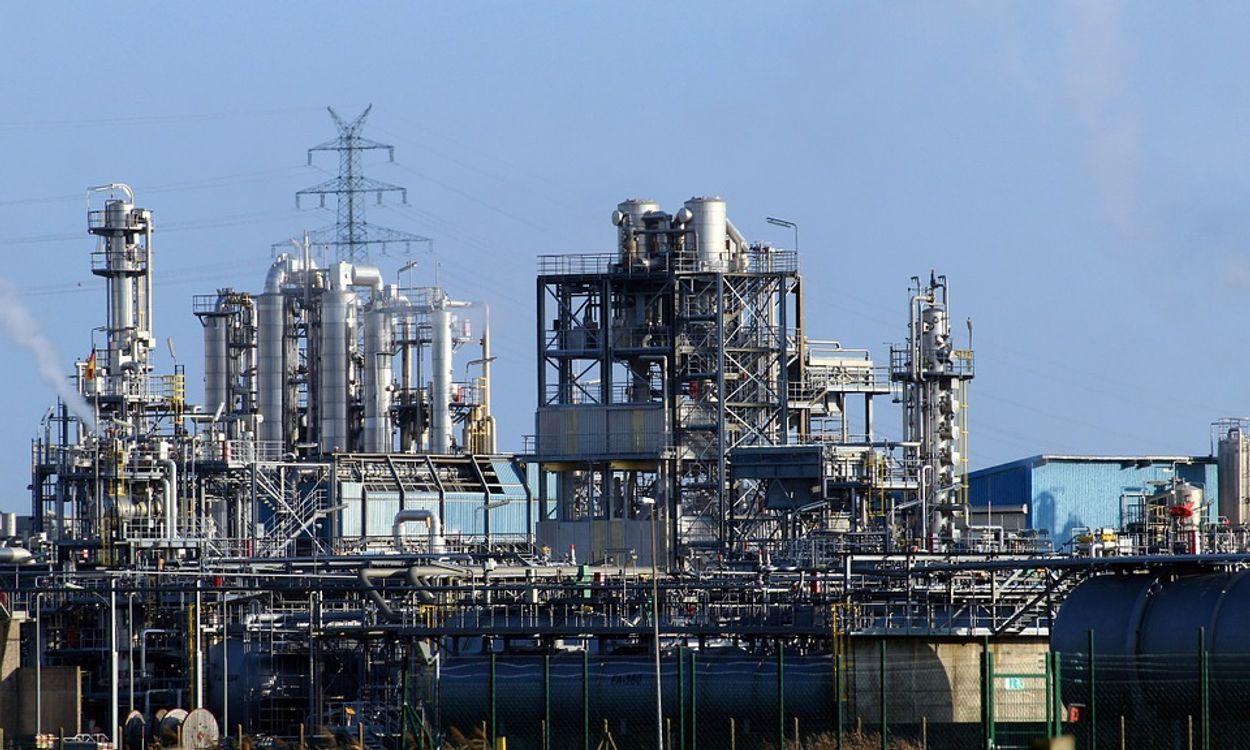 olie raffinaderij petroleum industrie