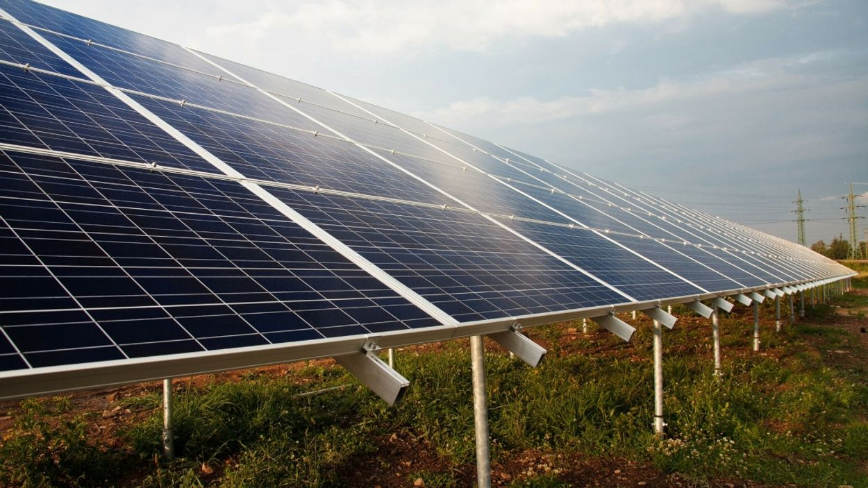 Afbeelding van 'Chinese zonnepanelen deels geproduceerd met dwangarbeid'