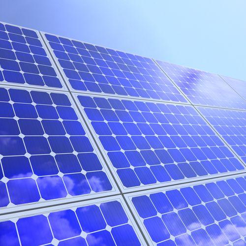 Afbeelding van Onderzoek: zonnepanelen leveren op zee hogere opbrengst